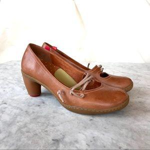 Camper | Honey Brown Leather Heels